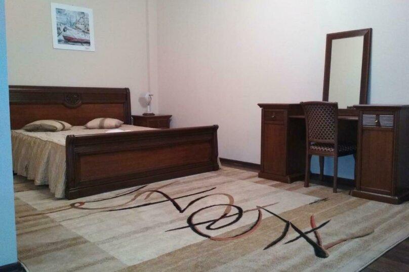 411 номер люкс 2х комнатный 2х местный, улица Когония, 63, Сухум - Фотография 14