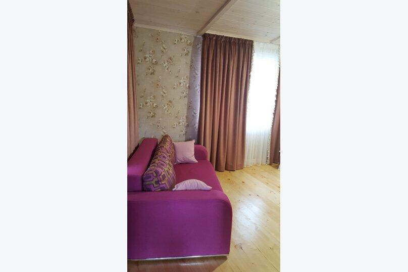 Деревянный двухэтажный домик в стиле Прованс в Лазаревском, 80 кв.м. на 7 человек, 2 спальни, улица Калараш, 70А, Лазаревское - Фотография 12