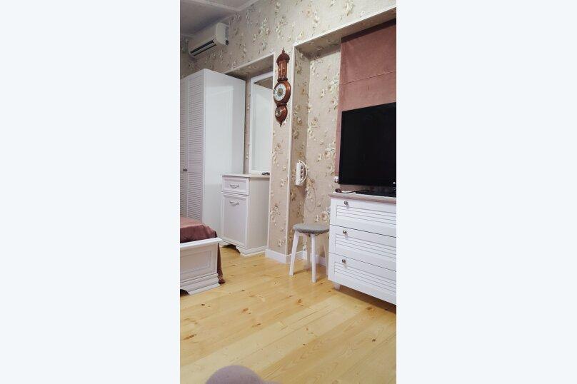Деревянный двухэтажный домик в стиле Прованс в Лазаревском, 80 кв.м. на 7 человек, 2 спальни, улица Калараш, 70А, Лазаревское - Фотография 14