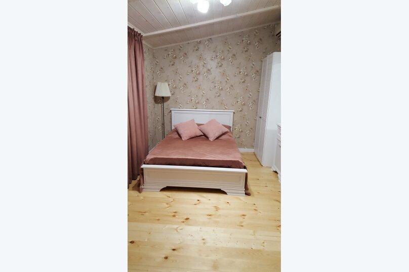 Деревянный двухэтажный домик в стиле Прованс в Лазаревском, 80 кв.м. на 7 человек, 2 спальни, улица Калараш, 70А, Лазаревское - Фотография 1