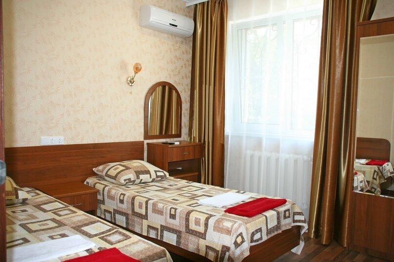 №4. Одна комната, двухместная, с раздельными кроватями. Второй этаж., Пограничная, 7, Геленджик - Фотография 1