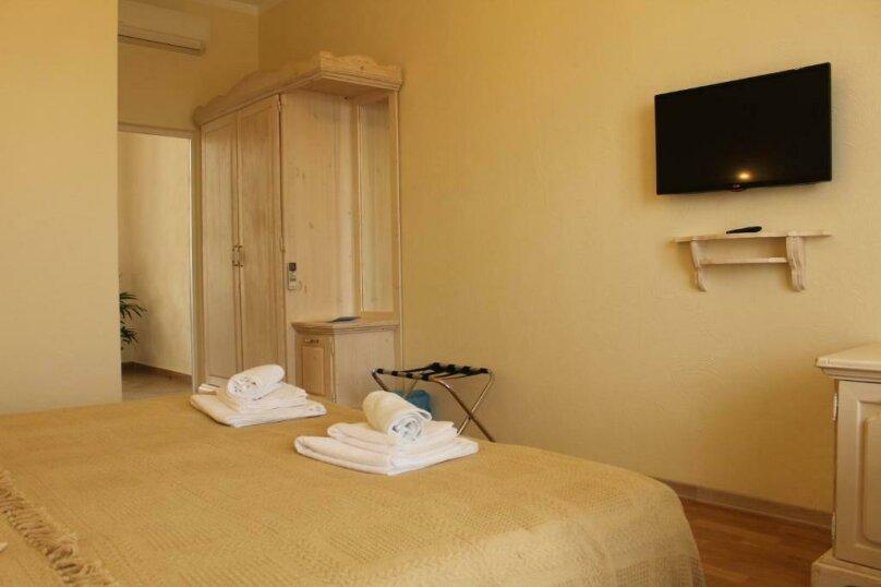 Улучшенный двухместный номер с 1 кроватью или 2 отдельными кроватями и террас, Черноморская улица, 1, Анапа - Фотография 4