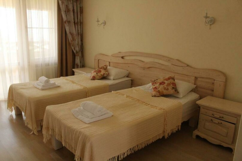 Улучшенный двухместный номер с 1 кроватью или 2 отдельными кроватями и террас, Черноморская улица, 1, Анапа - Фотография 7