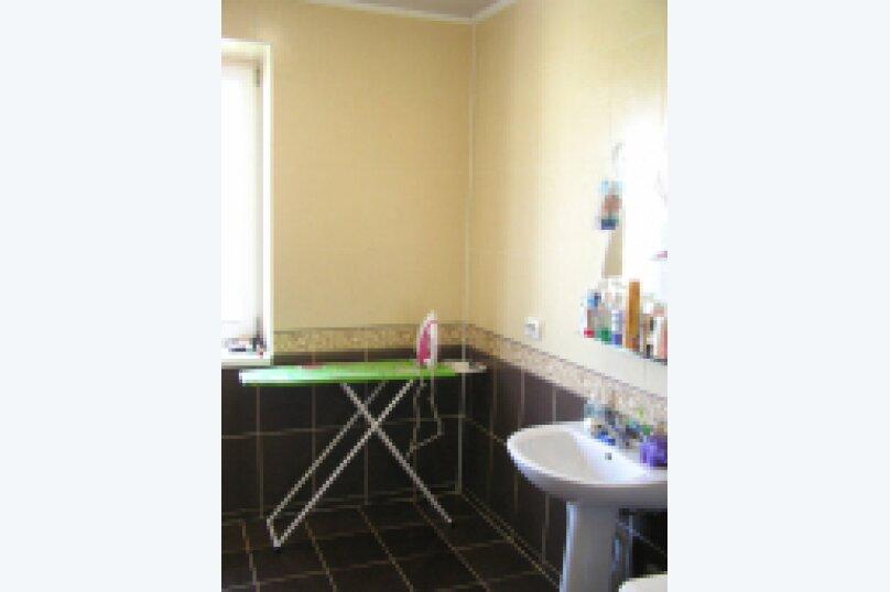Этаж дома, состоящий из 3-х номеров, кухни и санузла, Жуковского, 49, Коктебель - Фотография 2
