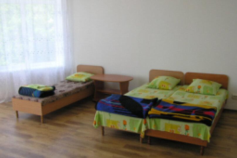 Этаж дома, состоящий из 3-х номеров, кухни и санузла, Жуковского, 49, Коктебель - Фотография 6