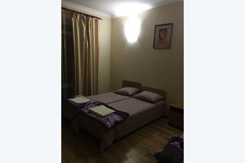 Этаж дома, состоящий из 3-х номеров, кухни и санузла, Жуковского, 49, Коктебель - Фотография 12