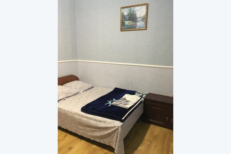 Этаж дома, состоящий из 3-х номеров, кухни и санузла, Жуковского, 49, Коктебель - Фотография 16