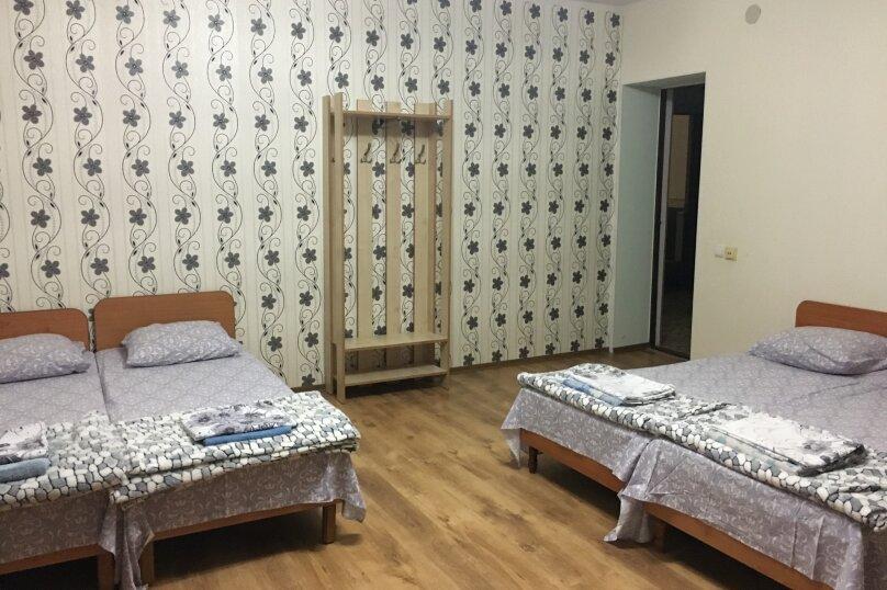 Этаж дома, состоящий из 3-х номеров, кухни и санузла, Жуковского, 49, Коктебель - Фотография 21