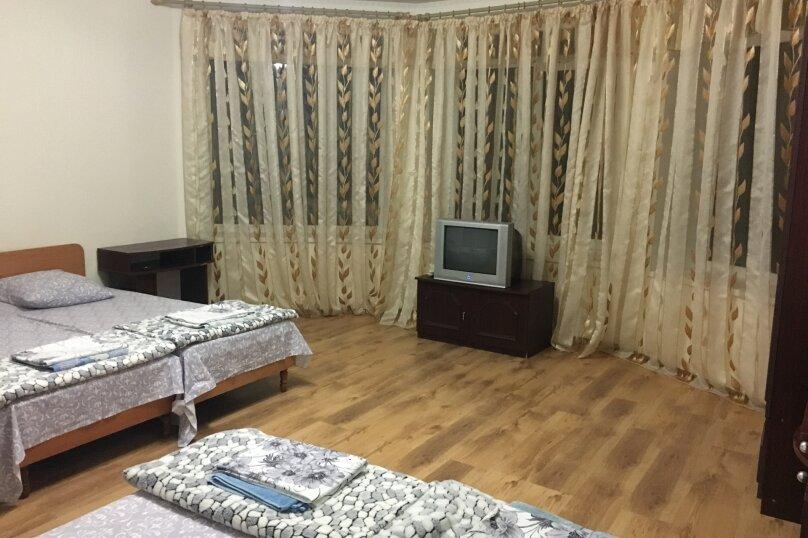 Этаж дома, состоящий из 3-х номеров, кухни и санузла, Жуковского, 49, Коктебель - Фотография 22