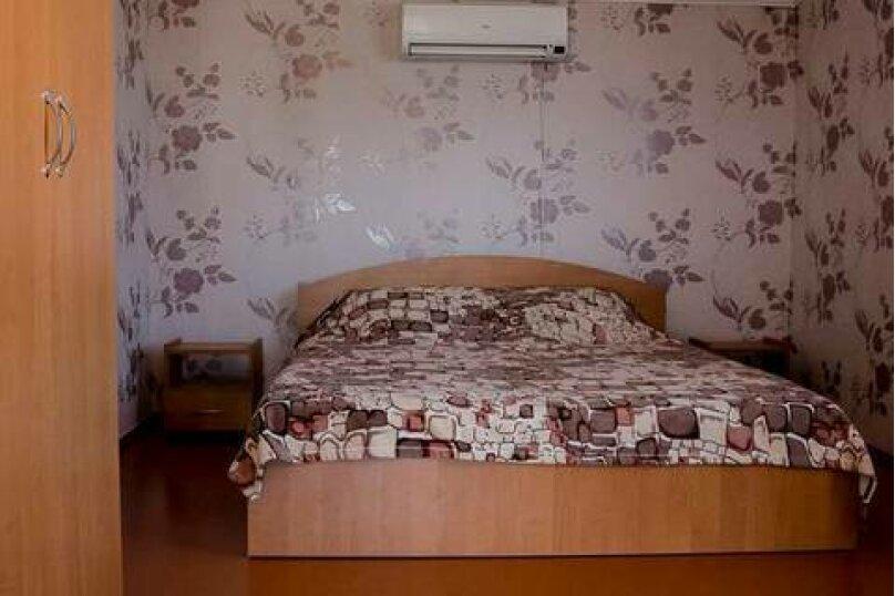 2-х местный Полулюкс, 3 этаж ( № 6 и № 8 ) : , улица Загордянского, 38, Севастополь - Фотография 1