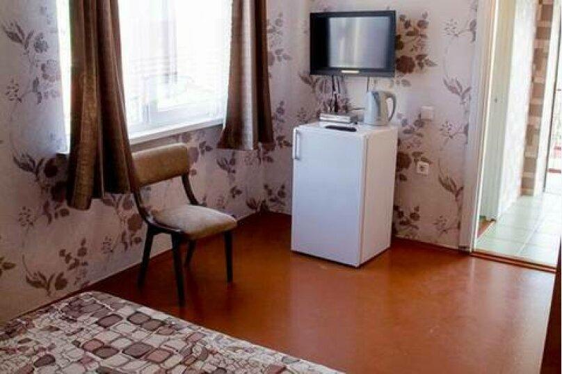 2-х местный Полулюкс, 3 этаж ( № 6 и № 8 ) : , улица Загордянского, 38, Севастополь - Фотография 3