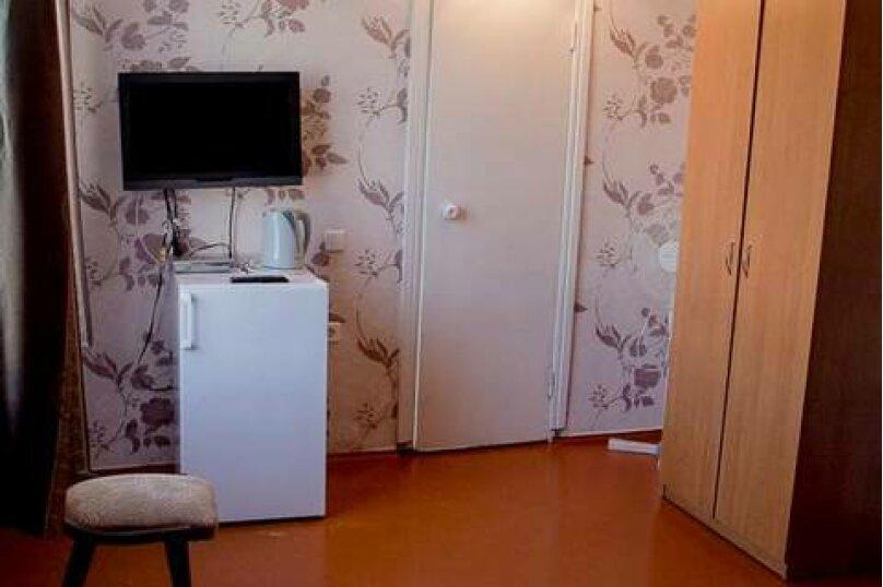 2-х местный Полулюкс, 3 этаж ( № 6 и № 8 ) : , улица Загордянского, 38, Севастополь - Фотография 4