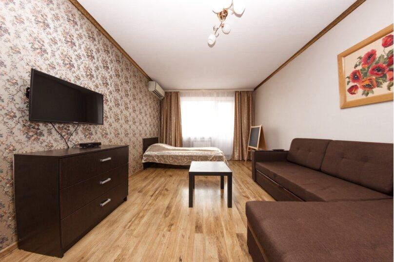 2-комн. квартира, 52 кв.м. на 6 человек, Российская улица, 138, Краснодар - Фотография 1
