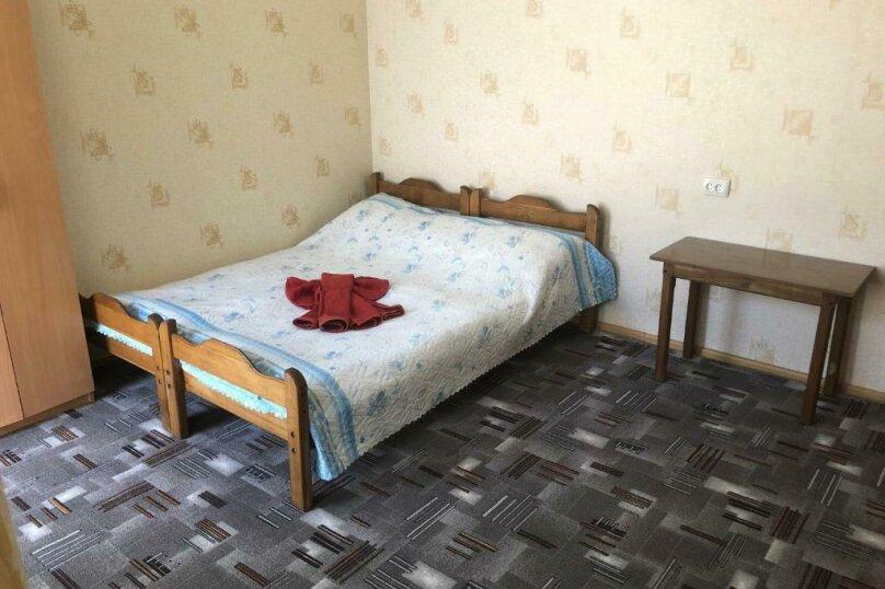 """Гостевой дом """"Уютный дворик"""", улица 70 лет Октября, 2 на 10 комнат - Фотография 43"""