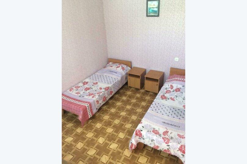 """Гостевой дом """"Уютный дворик"""", улица 70 лет Октября, 2 на 10 комнат - Фотография 38"""