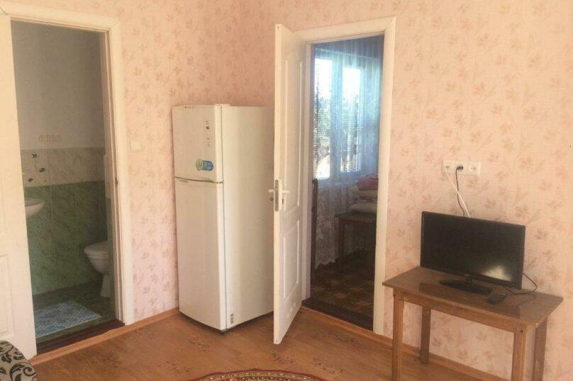 """Гостевой дом """"Уютный дворик"""", улица 70 лет Октября, 2 на 10 комнат - Фотография 40"""