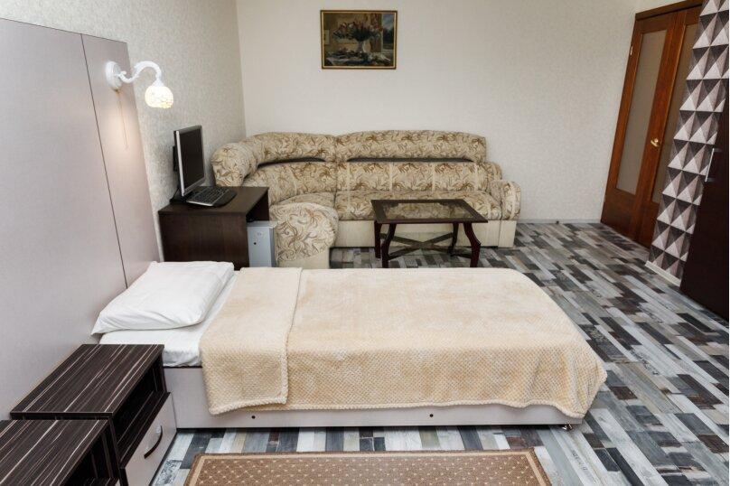 2-комн. квартира, 68 кв.м. на 5 человек, улица Белинского, 41, Екатеринбург - Фотография 12