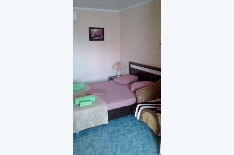 Двухместный: Комната, Стандарт, 2-местный, 1-комнатный, улица Красных Партизан, 68, Геленджик - Фотография 3