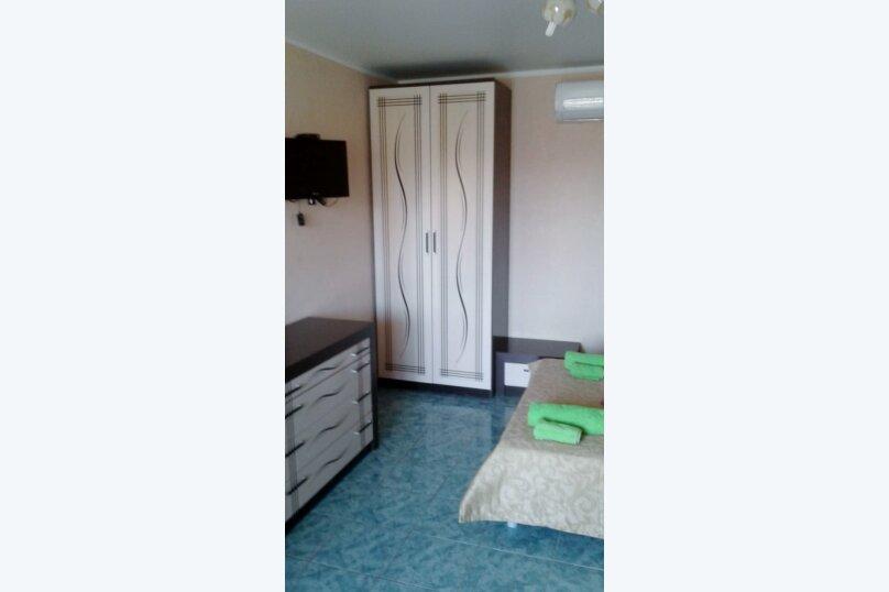 Двухместный: Комната, Стандарт, 2-местный, 1-комнатный, улица Красных Партизан, 68, Геленджик - Фотография 4