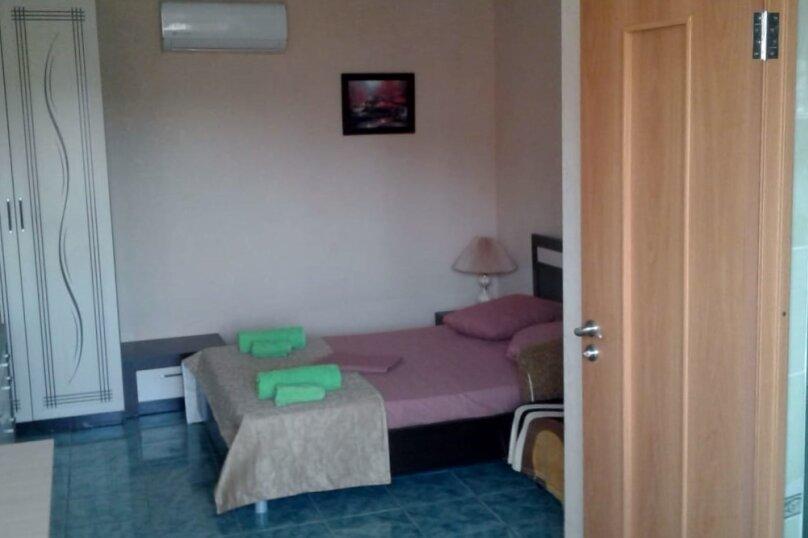 Двухместный: Комната, Стандарт, 2-местный, 1-комнатный, улица Красных Партизан, 68, Геленджик - Фотография 5