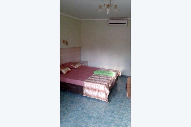 Двухместный: Комната, Стандарт, 2-местный, 1-комнатный, улица Красных Партизан, 68, Геленджик - Фотография 7