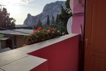 """Гостевой дом """"Розовый Пинк Хаус"""", Красномаякская улица, 6 на 2 комнаты - Фотография 1"""