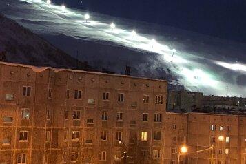 2-комн. квартира, 54 кв.м. на 6 человек, Олимпийская улица, 26, Кировск - Фотография 1