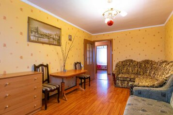 3-комн. квартира, 68 кв.м. на 5 человек, улица Гагарина, 48, Судак - Фотография 1