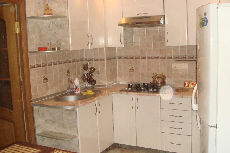 Дом, 120 кв.м. на 8 человек, 2 спальни, Зелёная улица, 3, Алушта - Фотография 1