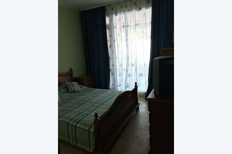 Двухместный номер с 1 кроватью, Гагариной , 25/81, Утес - Фотография 9