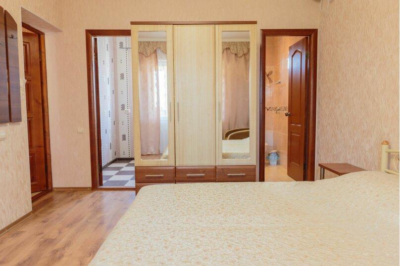 Трехместный  с балконом, Насыпная, 8Ж, Феодосия - Фотография 4