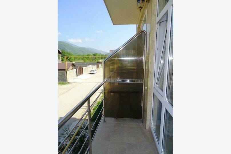 2х-местный  с балконом, улица Сьянова, 28А, Лазаревское - Фотография 4