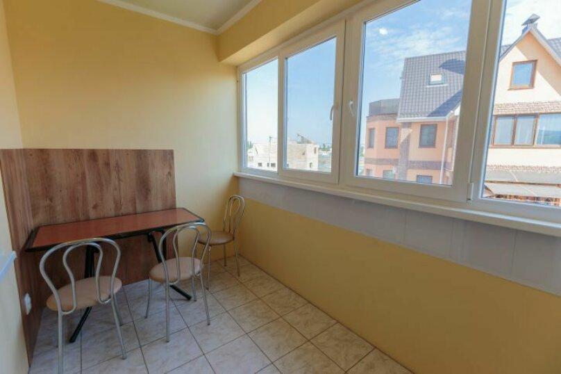Трехместный  с балконом, Насыпная, 8Ж, Феодосия - Фотография 5