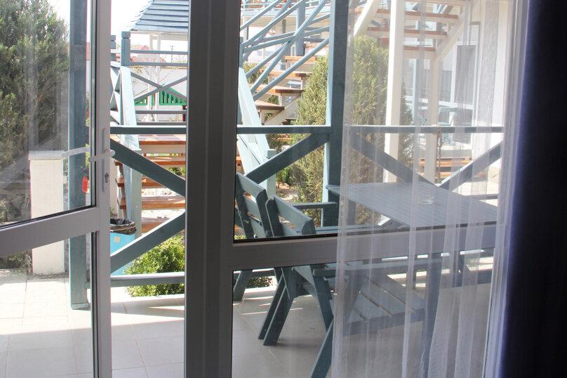 Студия 4-местная с террасой, Лазурная улица, 7, Оленевка - Фотография 4