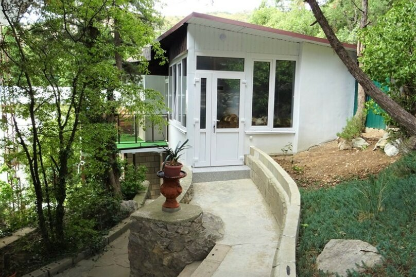 """""""2-х- комнатный номер с балконом"""" № 2, Красномаякская улица, 8А, Симеиз - Фотография 1"""