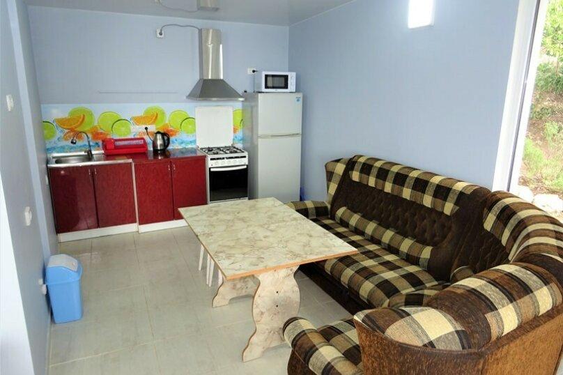 """""""2-х- комнатный номер с балконом"""" № 2, Красномаякская улица, 8А, Симеиз - Фотография 5"""