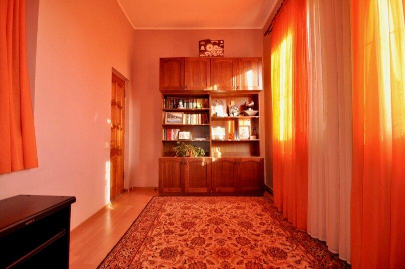 Отдельно стоящий домик с закрытой территорией, 110 кв.м. на 10 человек, 3 спальни, улица Дмитриева, 16А, Ялта - Фотография 25