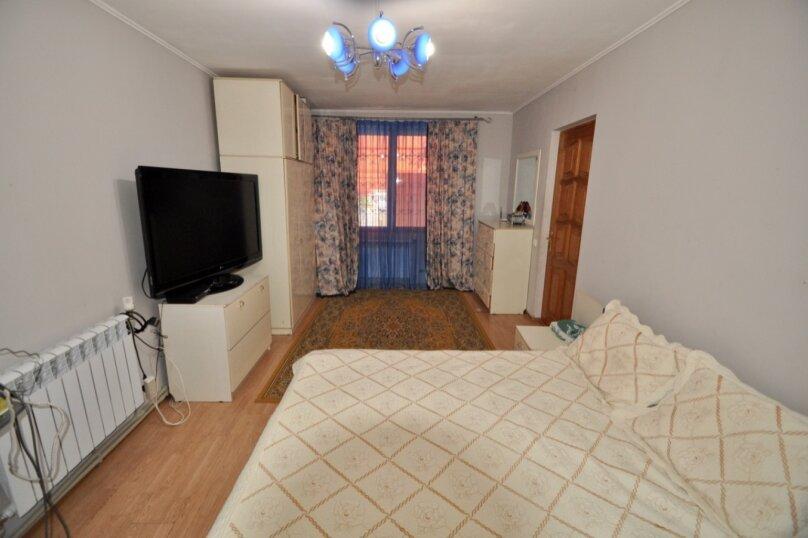 Отдельно стоящий домик с закрытой территорией, 110 кв.м. на 10 человек, 3 спальни, улица Дмитриева, 16А, Ялта - Фотография 26
