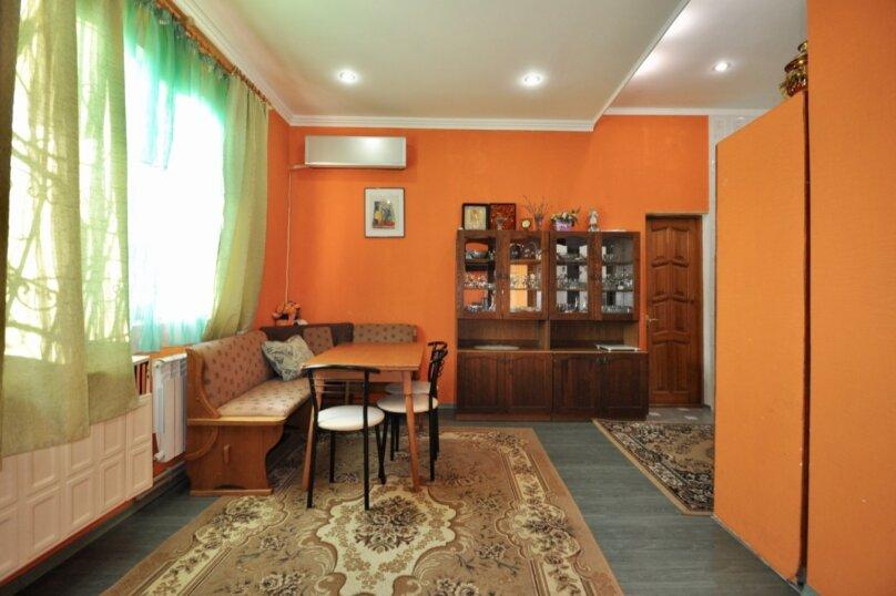 Отдельно стоящий домик с закрытой территорией, 110 кв.м. на 10 человек, 3 спальни, улица Дмитриева, 16А, Ялта - Фотография 30