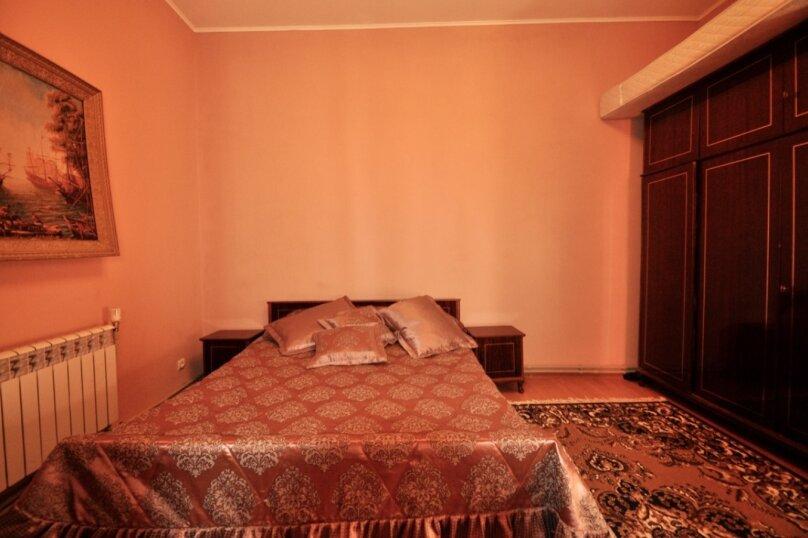 Отдельно стоящий домик с закрытой территорией, 110 кв.м. на 10 человек, 3 спальни, улица Дмитриева, 16А, Ялта - Фотография 44