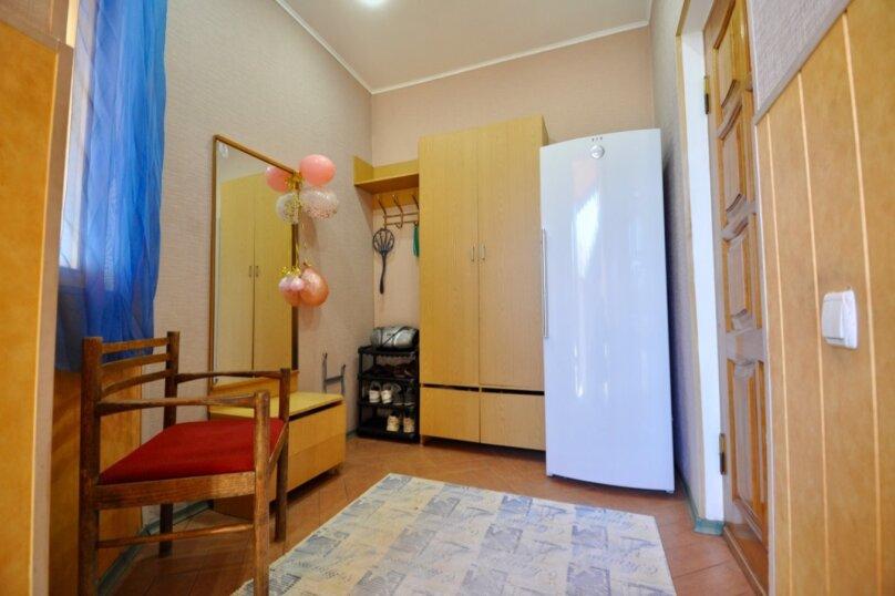 Отдельно стоящий домик с закрытой территорией, 110 кв.м. на 10 человек, 3 спальни, улица Дмитриева, 16А, Ялта - Фотография 46