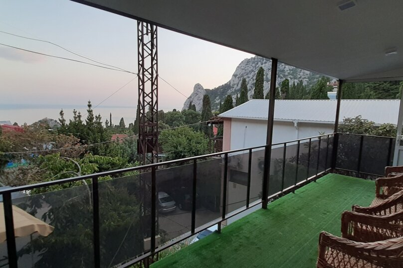 """""""2-х- комнатный номер с балконом"""" № 2, Красномаякская улица, 8А, Симеиз - Фотография 8"""