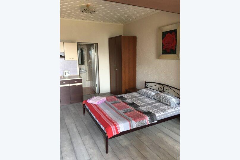 3-х местная комфортабельная комната , улица Сеченова, 13А, Ялта - Фотография 1