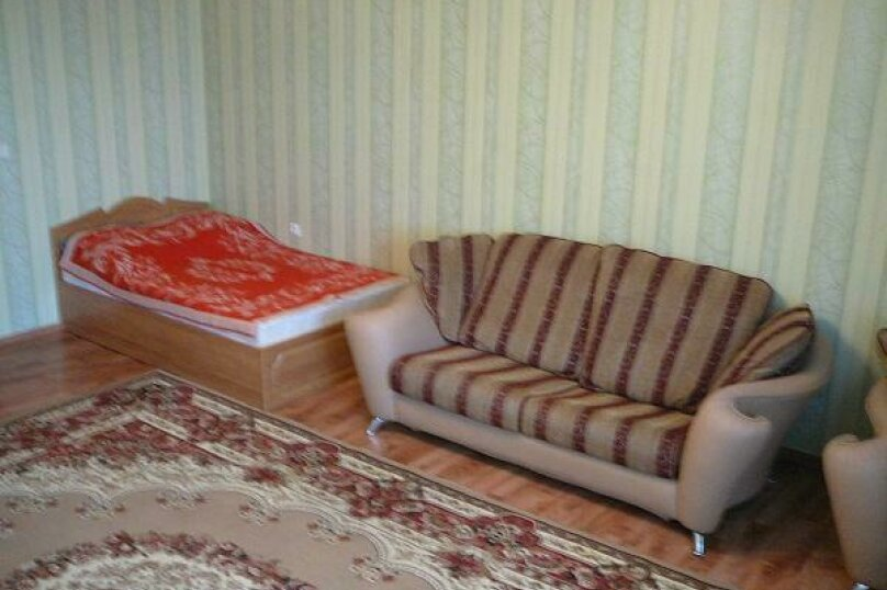 2-комн. квартира, 96 кв.м. на 4 человека, Холодильная улица, 138, Тюмень - Фотография 4