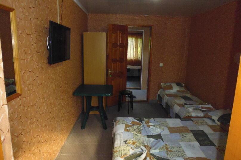 Гостевой дом Чепурова, Алычевый переулок, 1 на 15 комнат - Фотография 52