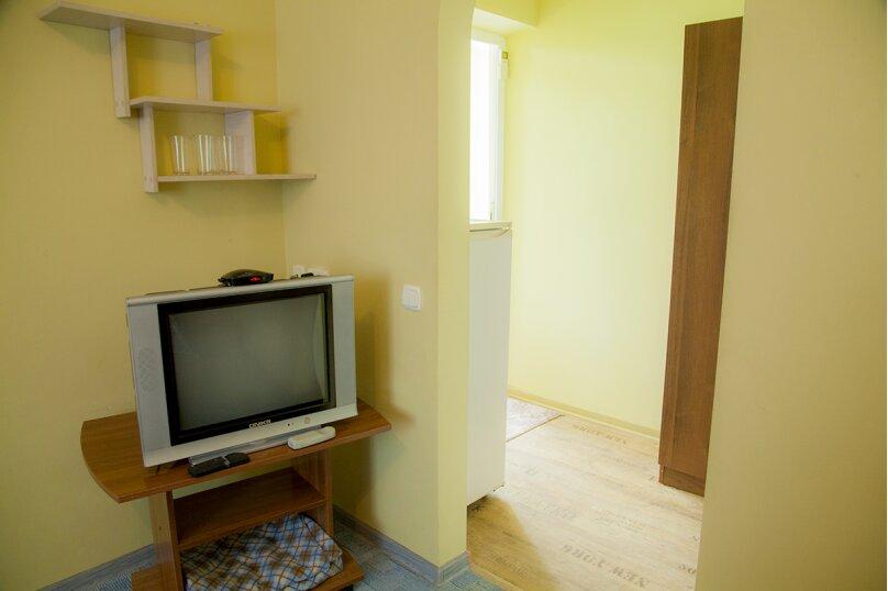 Комната с кухонной зоной для семьи из 4 человек, улица Слесова, 117/2, Благовещенская - Фотография 6