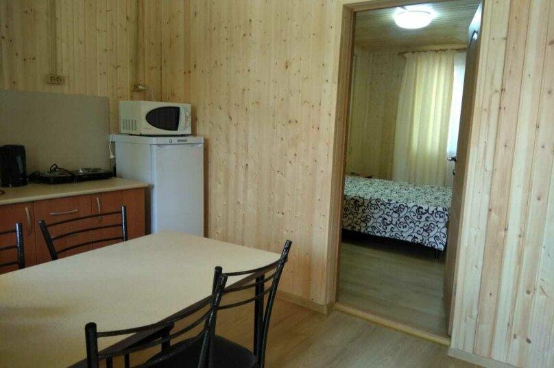 Дом №3, 40 кв.м. на 4 человека, 2 спальни, улица Святого Георгия, 23, Витязево - Фотография 6