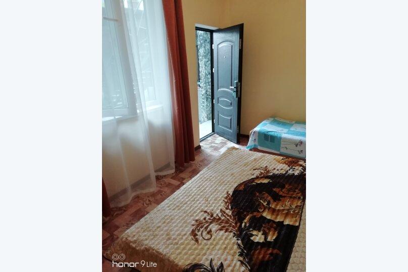 """Гостевой дом """"На Сухумской 10"""", сухумская , 10 на 5 комнат - Фотография 35"""