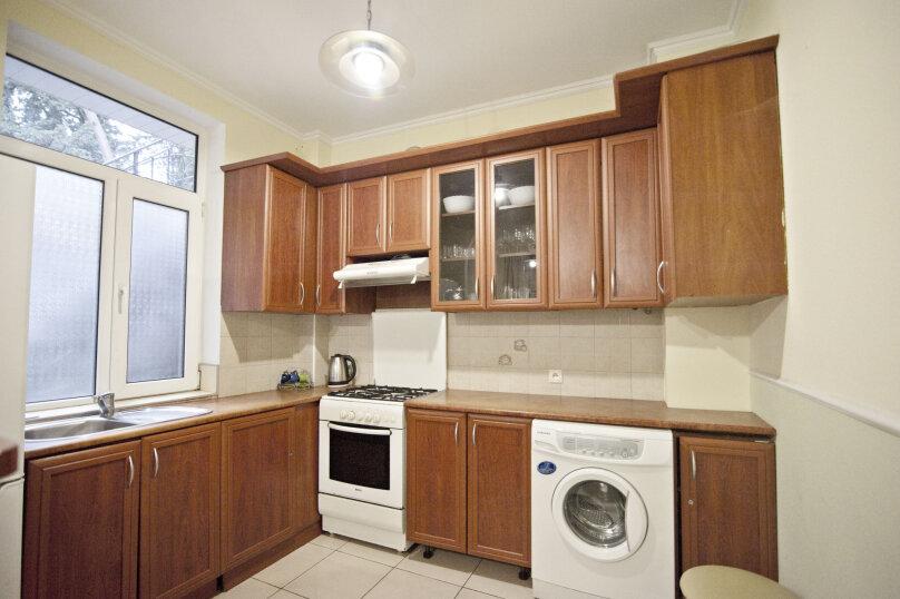 Дом на 12 человек со своим двором в центре Ялты на ул. Боткинская , 115 кв.м. на 12 человек, 4 спальни, Боткинская улица, 23, Ялта - Фотография 4