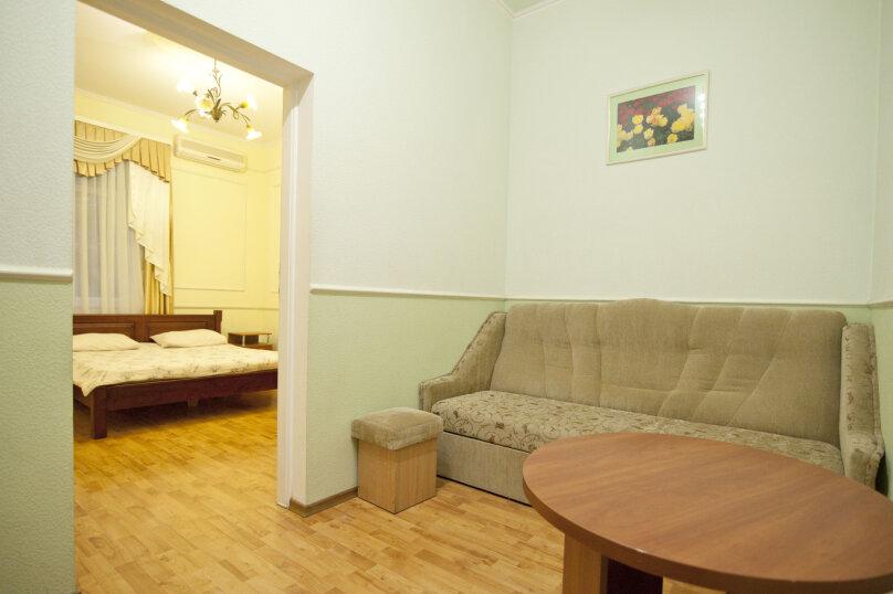 Дом на 12 человек со своим двором в центре Ялты на ул. Боткинская , 115 кв.м. на 12 человек, 4 спальни, Боткинская улица, 23, Ялта - Фотография 10